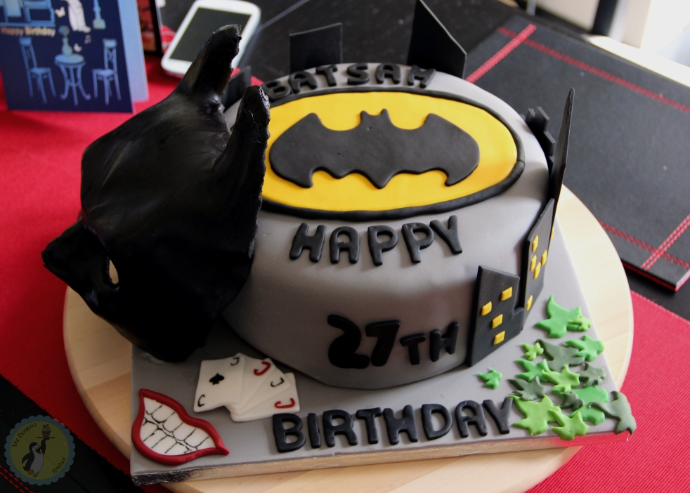 Batman Birtday Cake - Fondant cake with bat symbol, skyline, batman mask and villain symbols