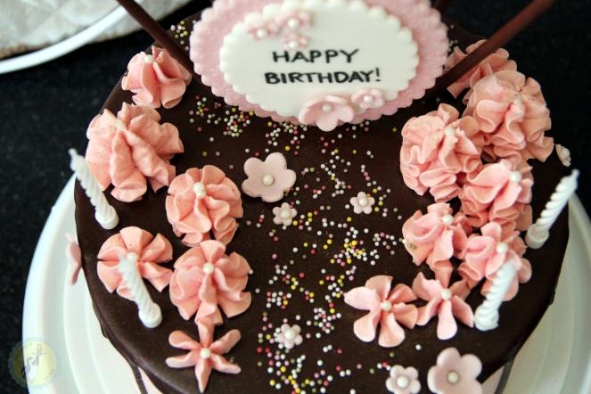 Pink Drip Cake 03