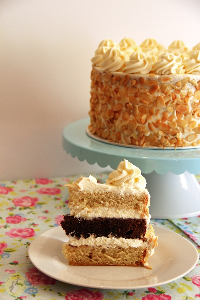 Amaretto Cream Cake 02