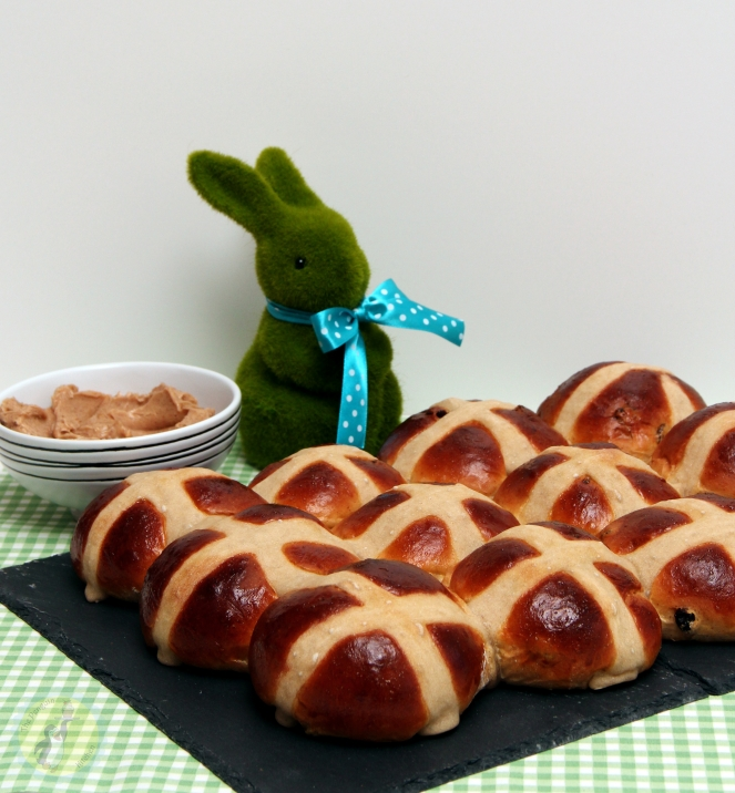 Hot Cross Buns 01