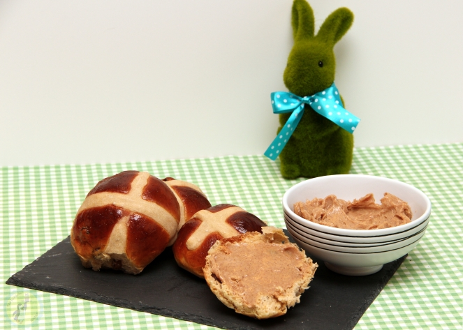 Hot Cross Buns 04